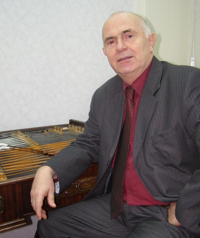 Георгій Агратіна (цимбали, свиріль), народний артист України